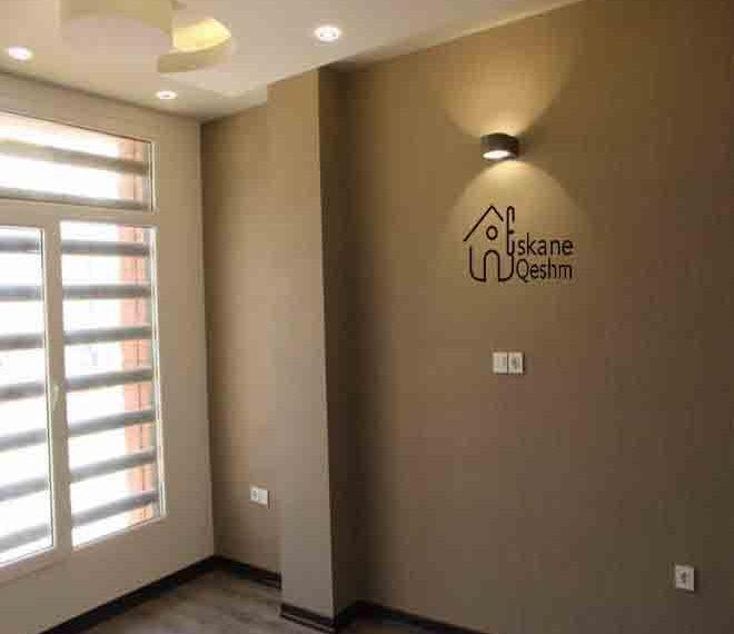 خرید خانه سه خواب در قشم کاغذ دیواری لوستر